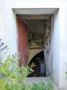 Doue_cave_excalier_extérieur